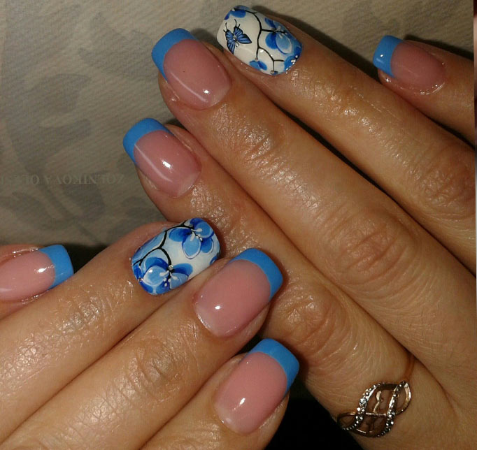 Голубой френч с бабочками