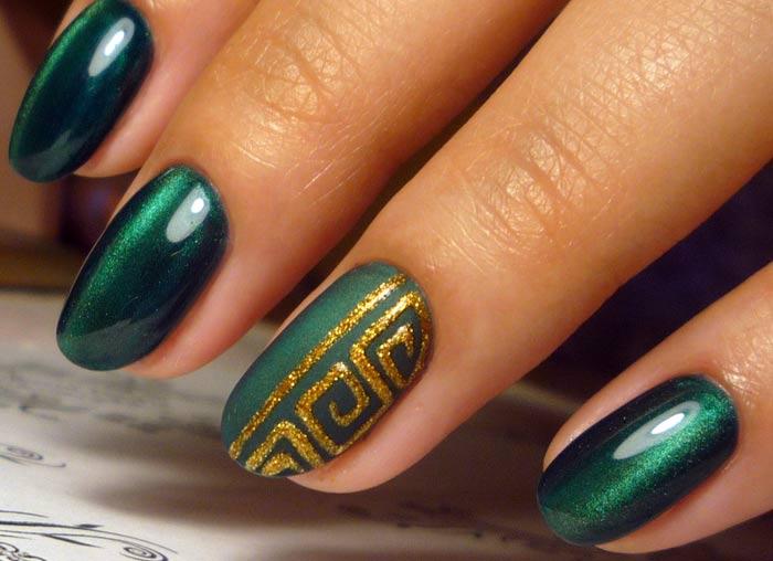 Золотая роспись на зеленом лаке