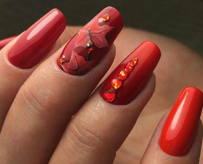 Красные ногти: самый красивый дизайн