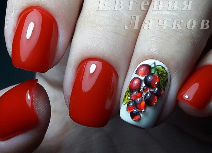 Красный дизайн ногтей с белым