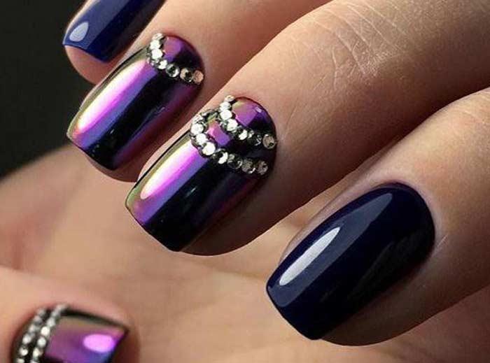 Дизайн с втиркой майский жук и стразы. Темные ногти