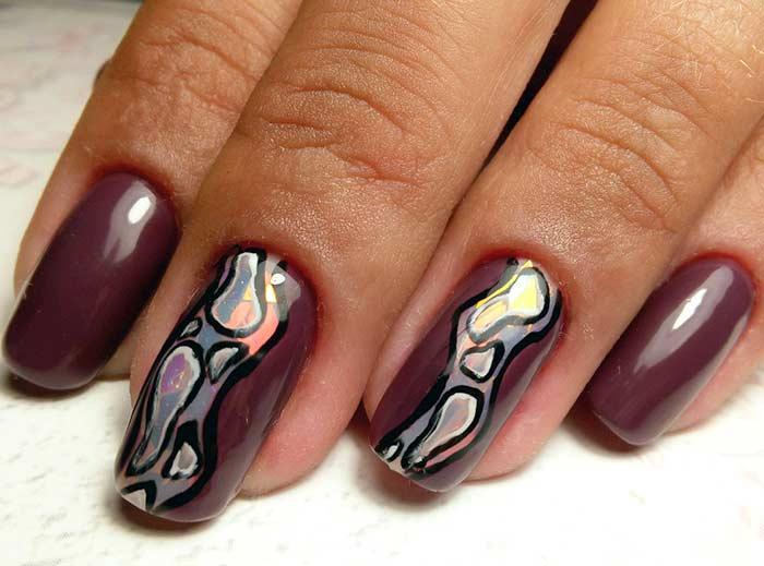 Вариант дизайна ногтей с втиркой. Рисунок