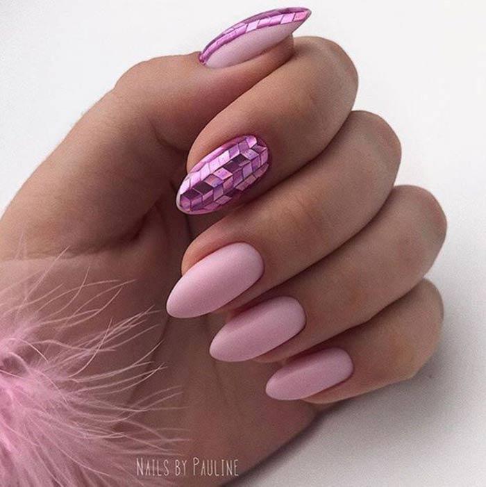 Кагами на острых ногтях