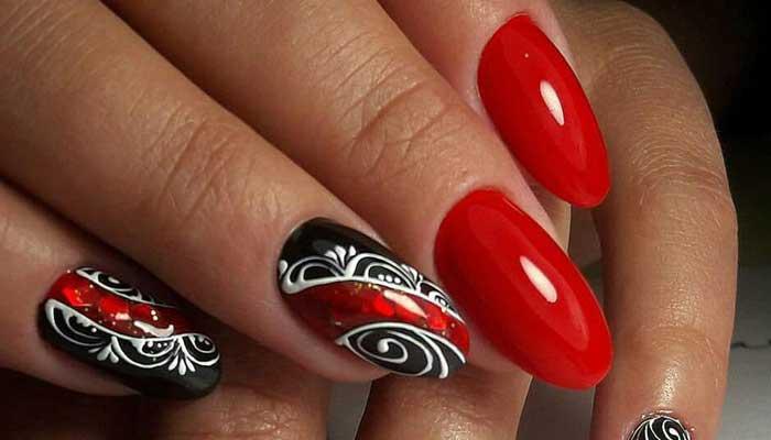 Красный с черным и белой росписью