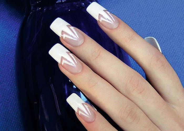 Геометрический френч на длинных квадратных ногтях