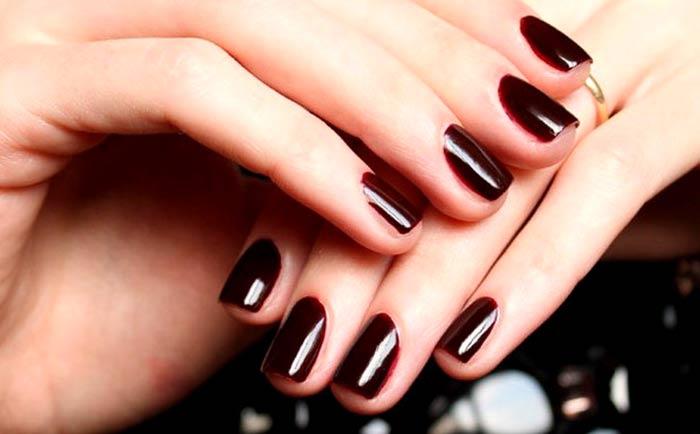 Ногти темным винным цветом, Лак марсала