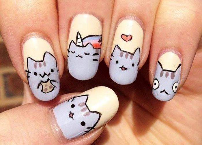 Котики аниме на ногтях
