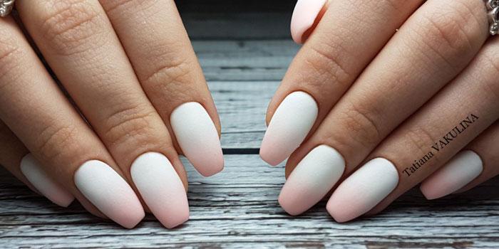Матовый градиент на длинных ногтях