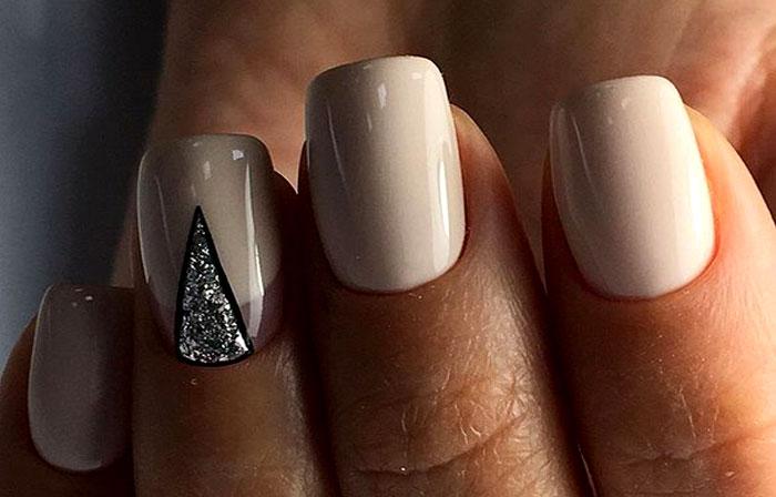 Лунный с треугольником
